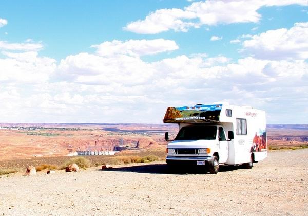 軽トラックをDIY「キャンピングカーは乗用車を改造するだけではない」